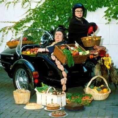 Két duci hölgy