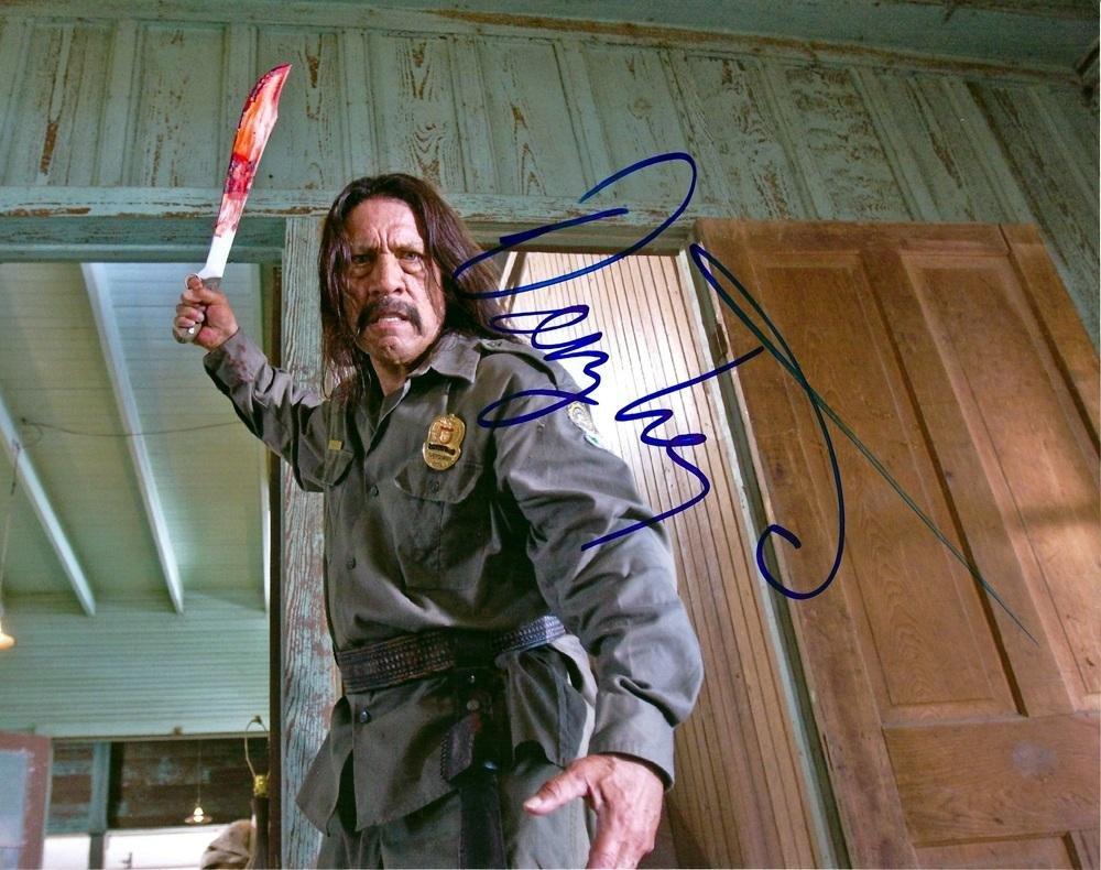 danny-trejo-autographed-machete-photo