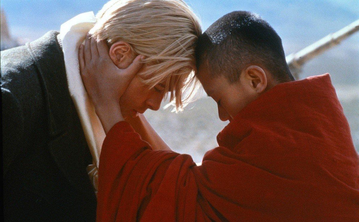 hét év tibetben - balra brad pitt